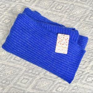 ⚡️ NWT Free People hooded circle scarf